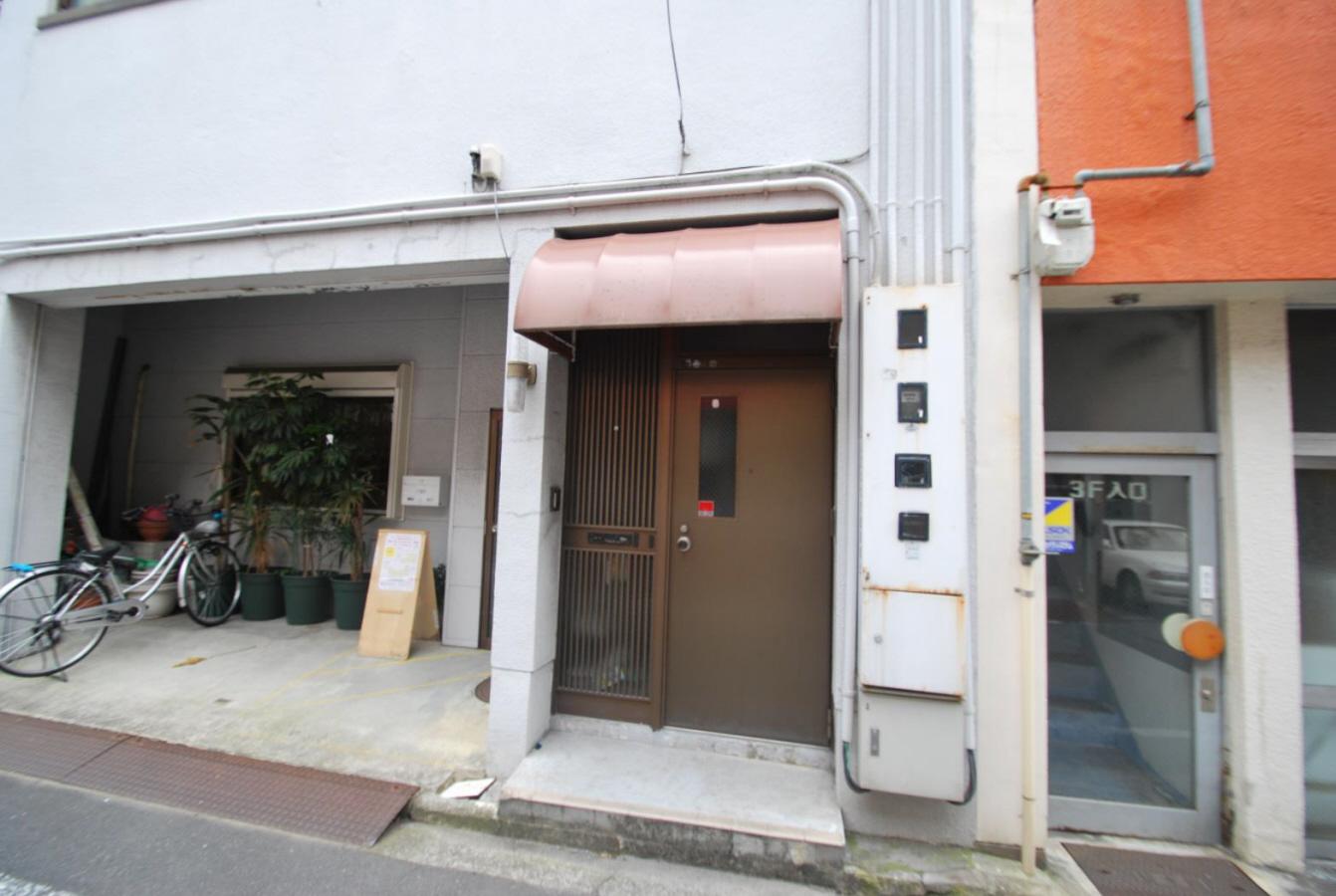 物件番号: 1118810418 吉岡ビル 松山市喜与町2丁目 8DK マンション 写真2